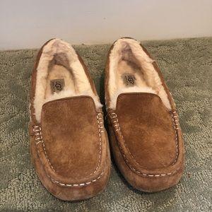 UGG moccasin slipper shoe
